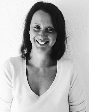 Home. Gaynor Almond Reflexology B&W profile pic